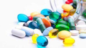 на изменение цвета мочи также влияет приём лекарственных препаратов