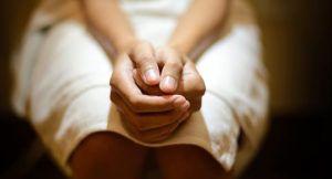 Боль и рези при мочеиспускании у женщин