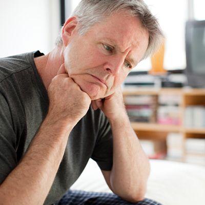 Резь при мочеиспускании у мужчин в головке: причины и лечение