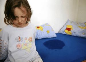 Недержание мочи у ребенка