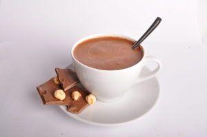 При оксалатной нефропатии настоятельно рекомендуют исключить какао, кофе и шоколад