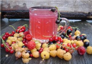 Полезно пить компоты и морсы