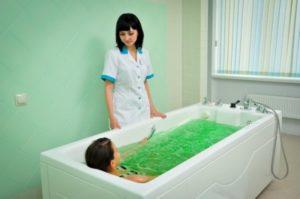 Лечебная ванна на основе лаврового листа