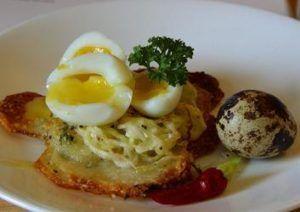 Блюдо из перепелиных яиц