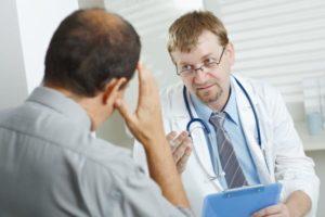 Консультация с врачом перед проведением биопсии
