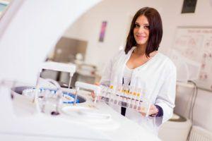 Назначаются дополнительные лабораторные и инструментальные исследования