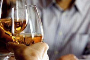 Виагру разрешено употреблять со спиртными напитками в небольших количествах