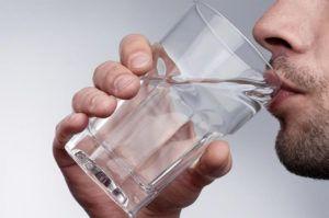 За несколько часов до процедуры нужно выпить не менее литра воды
