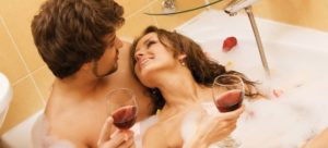 Регулярные занятия любовью способны повысить настроение