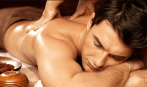 Дополнением к эротическому массажу могут служить эфирные масла