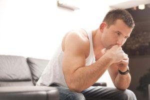 Боль во время полового акта негативно сказывается на эмоциональном состоянии мужчины