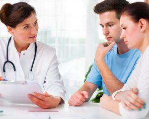 Если инфекция обнаружена в мочеполовой системе у мужчины, то лечение назначается обоим супругам