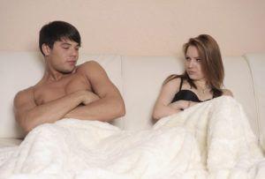 Преждевременная или ускоренная эякуляция может случиться с начала половых отношений и проявляться в течение всей последующей жизни