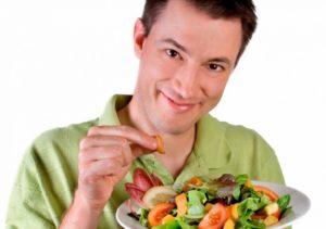 Важно строго соблюдать рациональное, богатое полезными веществами питание