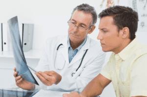 На начальной стадии заболевания необходимо проходить регулярное обследование