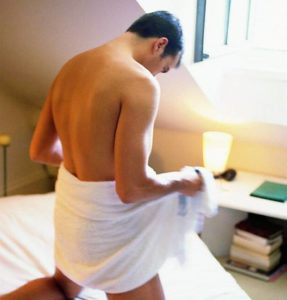 Частая мастурбация приводит к тому, что мужчина не может достичь нормальной эрекции полового члена