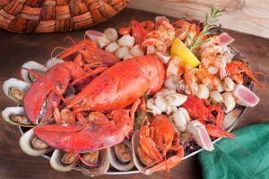 Рекомендуется чаще употреблять морепродукты