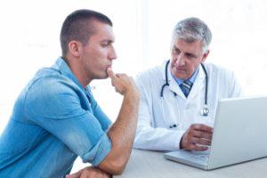 Перед применением фитотерапии рекомендуется посетить уролога, который подберет правильные рецепты