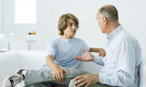 Подростку необходимо рассказать о возможных проблемах, которые возникают при увлечении онанизмом