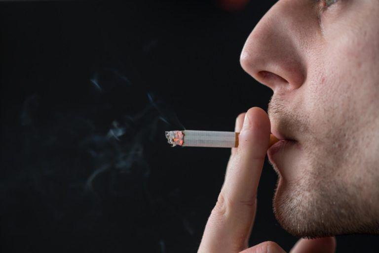 Сперма курящего человека мне