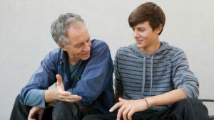 Родителям необходимо проводить беседы с ребенком, объяснить процесс полового созревания