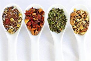 Применение отваров из лечебных растений и натуральных ингредиентов возможно только после рекомендации врача