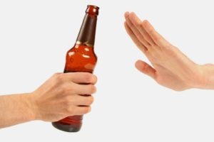 перед сдачей спермы необходимо отказаться от употребления алкоголя
